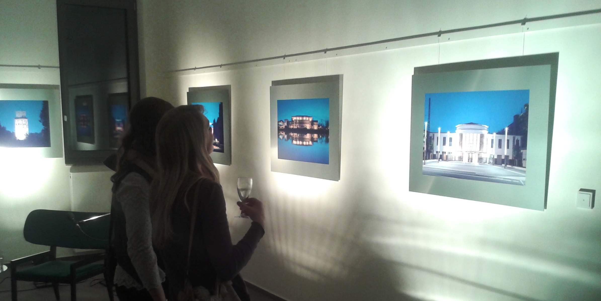 FOTOGRAFIE:  Harmonie von Bild und Text  -Eröffnung der Glagla-Ausstellung in der Kunststadt Mülheim am 14. Januar 2014