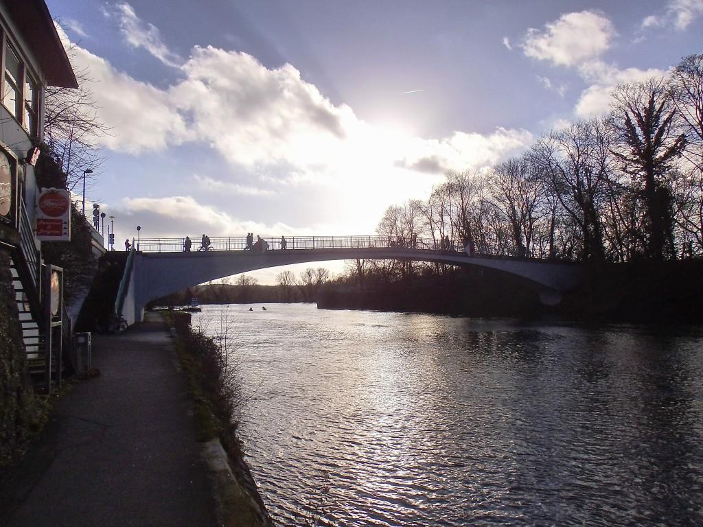 STADTGESTALTUNG: Ruhruferbrücke an der Flora im neuen Glanz in der Kunststadt Mülheim
