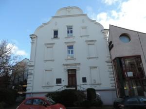 Eckhaus_Kunststadt_Muelheim_Strasse_der_Millionaere_Foto_by_Ivo_Franz