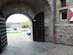 Kunststadt_Muelheim_Tor_zum_Schloss-Broich_Foto_by_Ivo_Franz