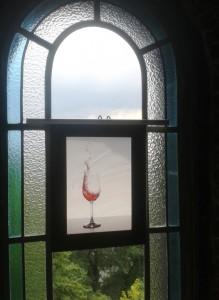 Werk_von_Dirk_Gburg_in_der_Ausstellung_UP-AND-DOWN_Bismarckturm-MH_Foto_Kunststadt-MH_by_Ivo_Franz