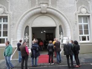 Eingangsportal der Galerie an der Ruhr , Sitz Mülheimer Kunstverein KKRR, Ruhrstr. 3