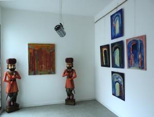 Tore_zur_neuen_Welt_Symbole_der_Migration_von_Aliv_Franz_in_der_Ausstellung-MIGRINT-2014_in_der_Galerie_an_der_Ruhr_Muelheim