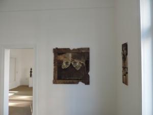 Werke_von_Juergen_Heinrich_Block_in_der_Kunst-Ausstellung_MIGRINT-2014_in_der_Belle_Etage_der_Galerie-an-der-Ruhr_in_der_Kunststadt_Muelheim_Foto_Ivo_Franz