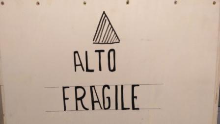 ALTO – FRAGILE – Kunstwerke aus Sardinien sind heute in der Kunststadt Mülheim eingetroffen