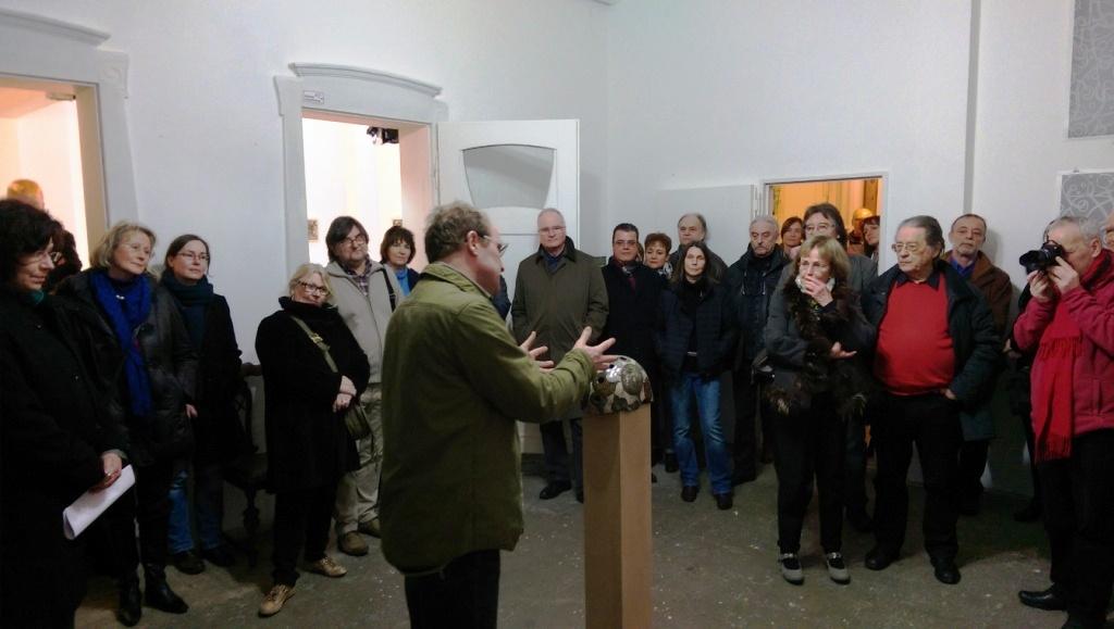 """50 Positionen von Peter Helmke in der Galerie an der Ruhr aus der Werkreihe """"BEFESTIGTE BEZIEHUNGEN"""""""