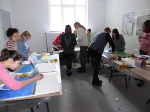 Jürgen-Heinrich_Block mit Schülern der Gesamtschule Wuppertal-Uellendahl-Katernberg in der Galerie an der Ruhr