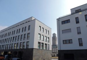 Wohnquartier mit historischem Rathausturm in der aufstrebenden Kunststadt an der Ruhr (Foto: Ivo Franz)