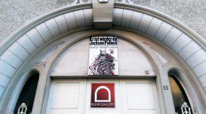 Eingangsportal in der Ruhrstr. 3 direkt an der Ruhranlage in Mülheim
