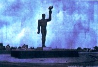 """Silhouette des """"Nackten Heinrich"""" damals in Mülheim an der Ruhr"""