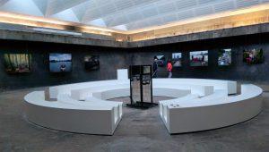 """Rund- beziehungsweise Dorreindicker umgestaltet als Ausstellungsraum auf ZOLLVEREIN in Essen - dort läuft die """"SCHAU HEIMAT NRW"""" mit dem """"ROTEN SOFA"""""""