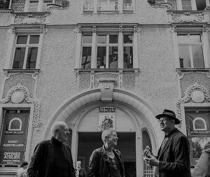 Vor dem Kunstmuseum Ruhrstraße 3 Prof. Dr. Heiner Treinen, Cornelia Wissel und Ivo Franz (Foto: Lars Fröhlich)