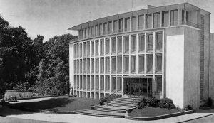 1956: Fertigstellung VerwaltungsgebaeudeDelle 50-52 seit 2017 Baudenkmal Foto: Archiv Mülheimer Kunstverein KKRR