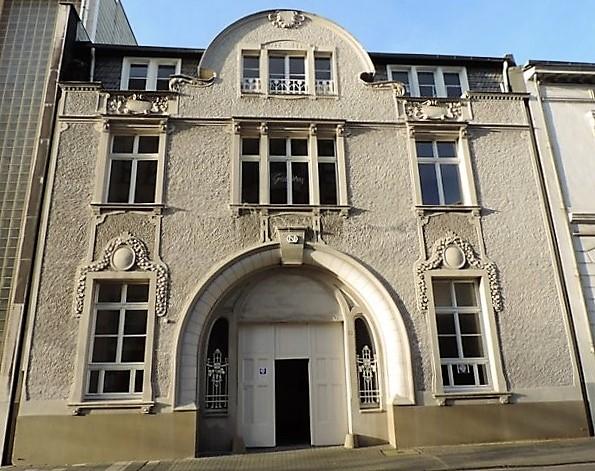 Villa Schmitz-Scholl: Überraschung im Treppenhaus